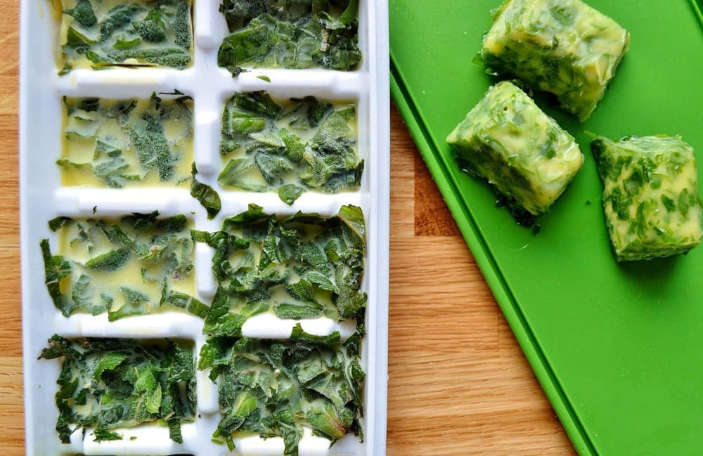 Заморозка масла с зеленью