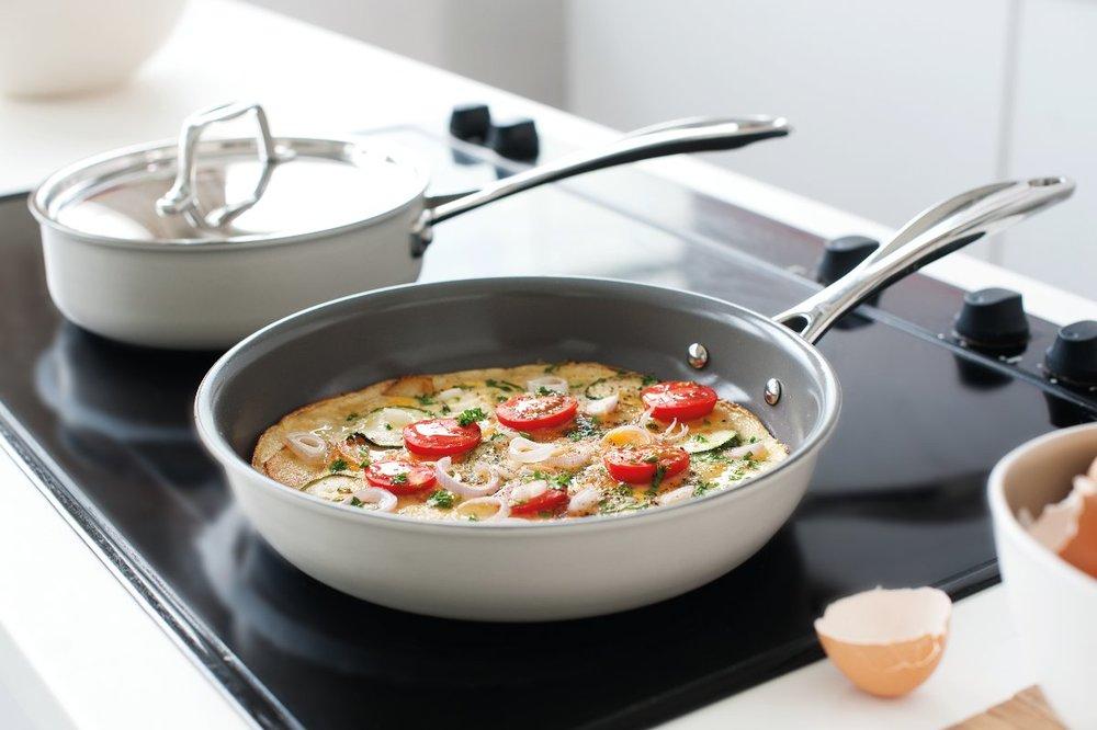 Блюдо в керамической сковородке