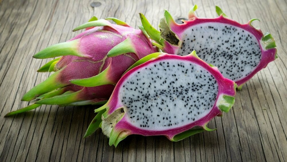 Вкусный экзотический фрукт питахайя